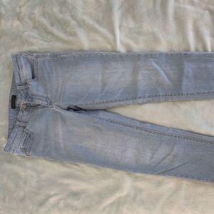 UNIQLO Step-Hem Light Jeans // Size 26